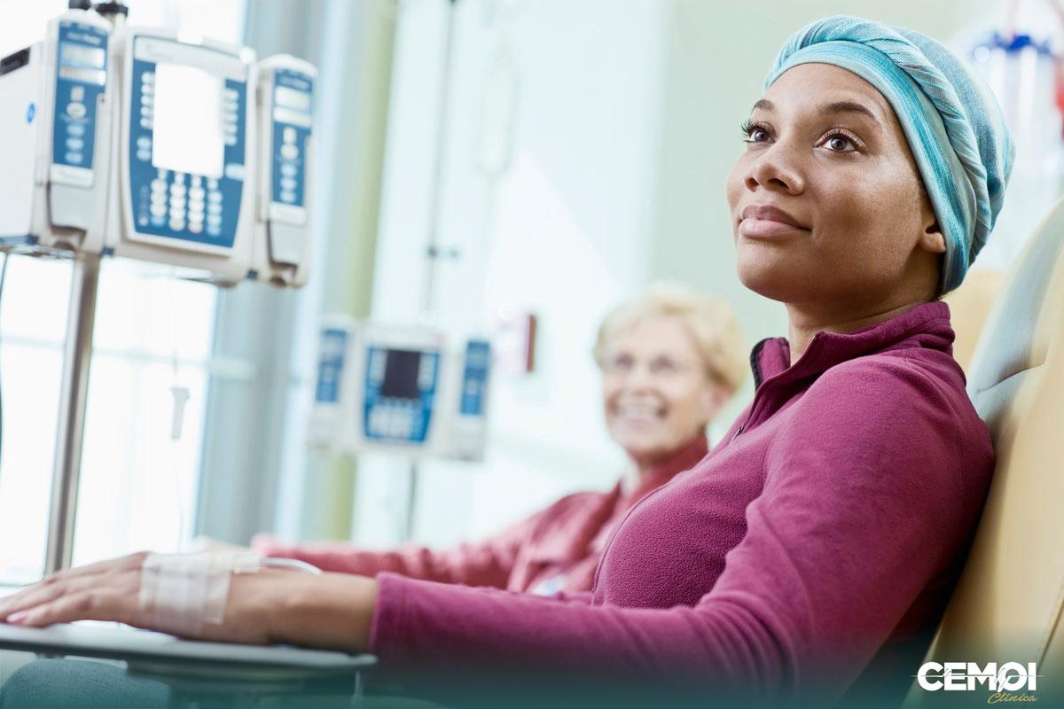A mucosite é uma das principais reações do tratamento oncológico. É muito comum e ocorre em até 40% dos pacientes que recebem quimioterapia, radioterapia ou a combinação de ambas.